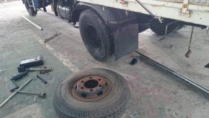 トラック出張タイヤ交換