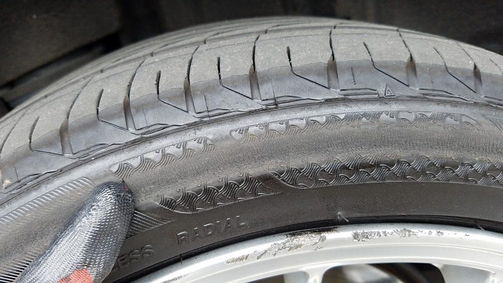 パンクしたまま走行したタイヤ