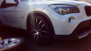 BMW・X1の出張スタッドレスタイヤ交換