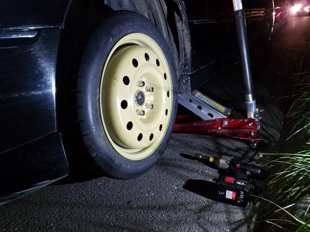 セルシオの出張タイヤ交換
