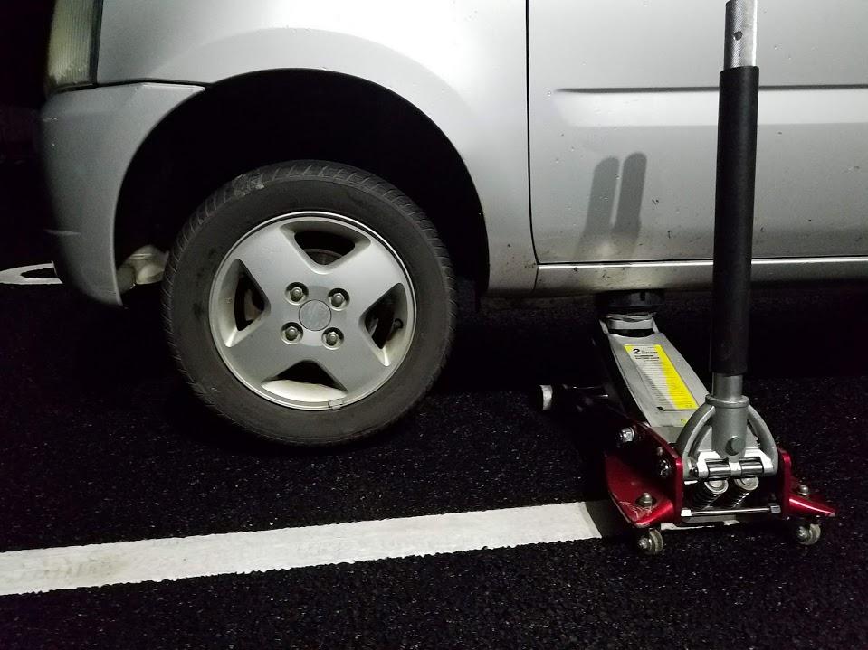 ワゴンRのタイヤ交換