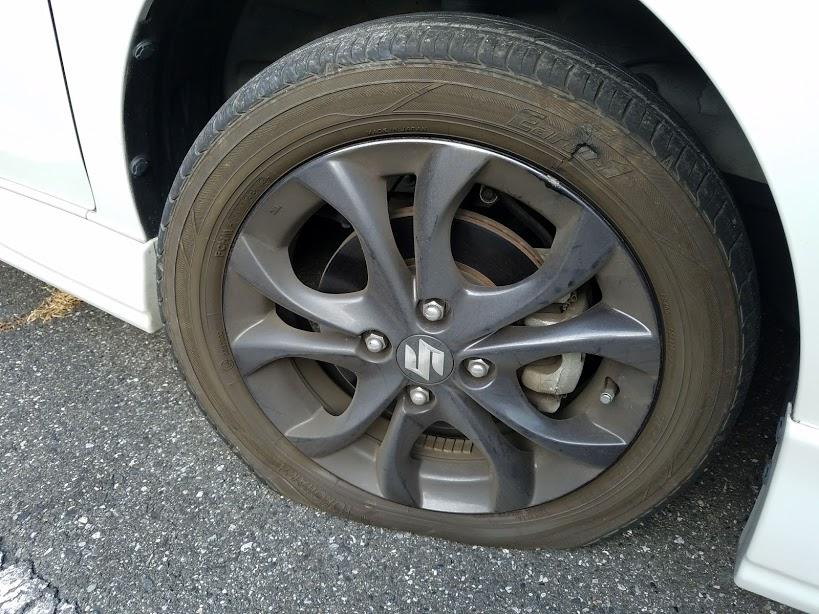 タイヤ側面のパンク