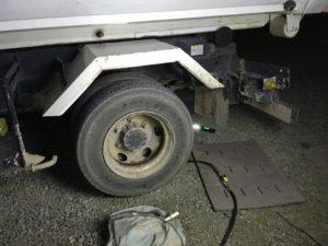 4トンダンプのタイヤパンク