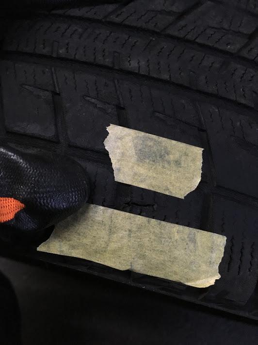 タイヤのパンク穴