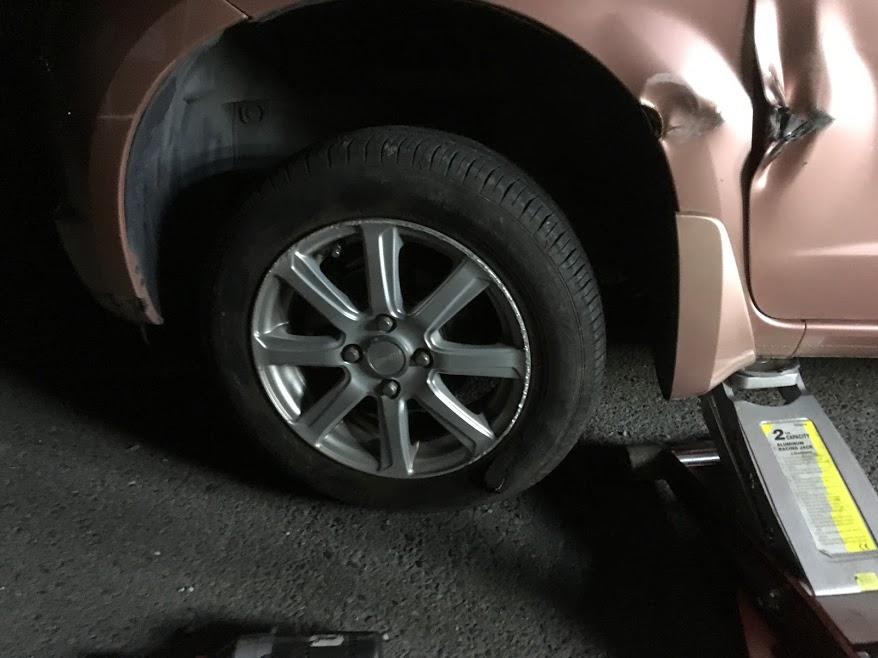 フィットのタイヤパンク