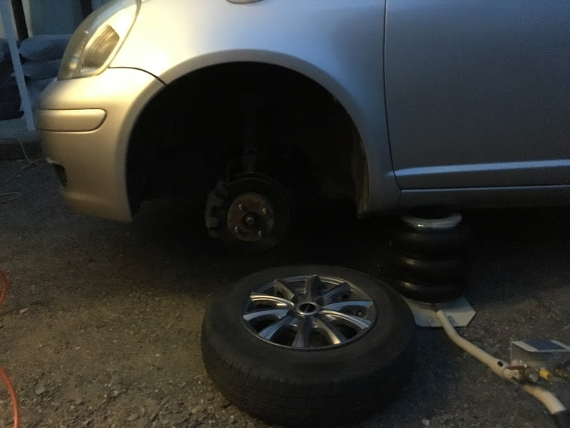 スタッドレス タイヤ パンク 修理