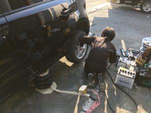 代車のタイヤ交換