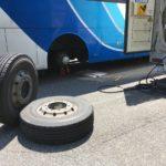 観光バスのスペア交換