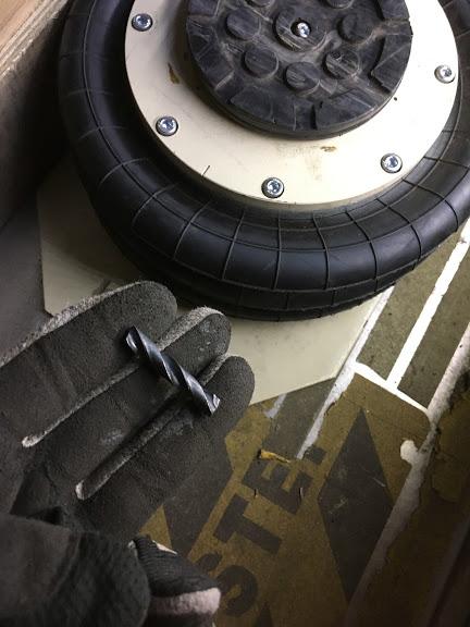 タイヤに刺さっていた異物