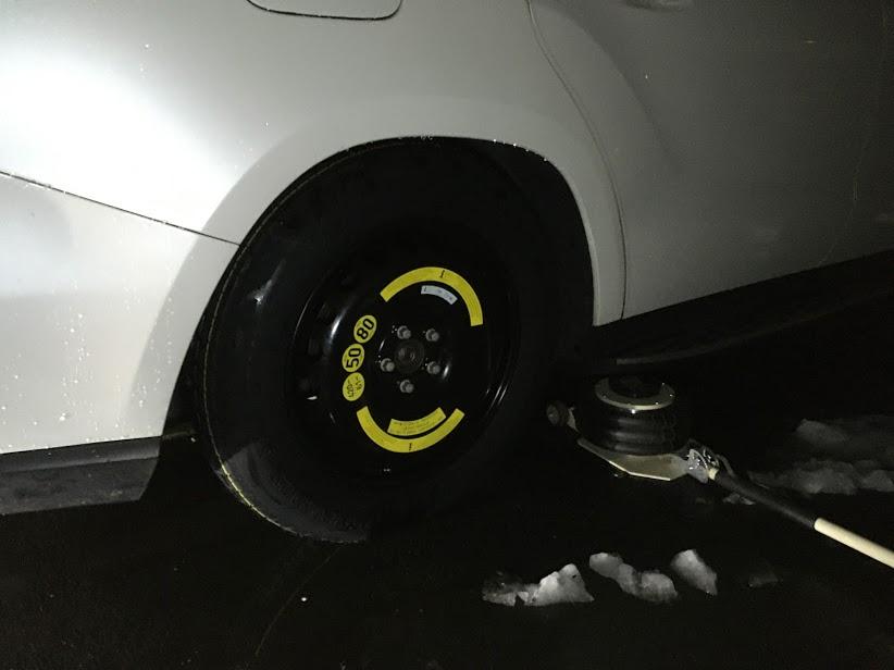 GLのスペアタイヤ交換