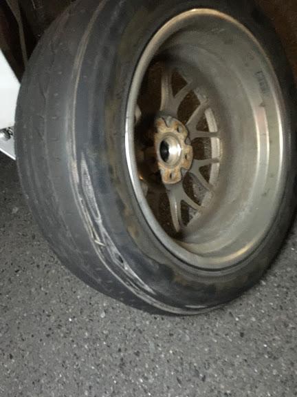 摩耗によるタイヤパンク
