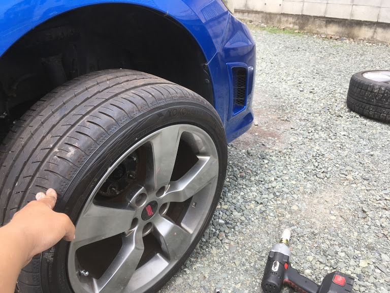 インプレッサWRXの出張タイヤ交換