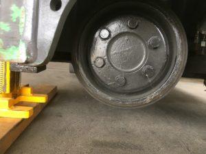 摩耗したドライブタイヤ