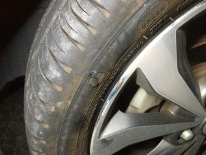 軽自動車のタイヤパンク